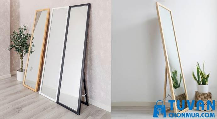 gương đứng di động khung gỗ có chân