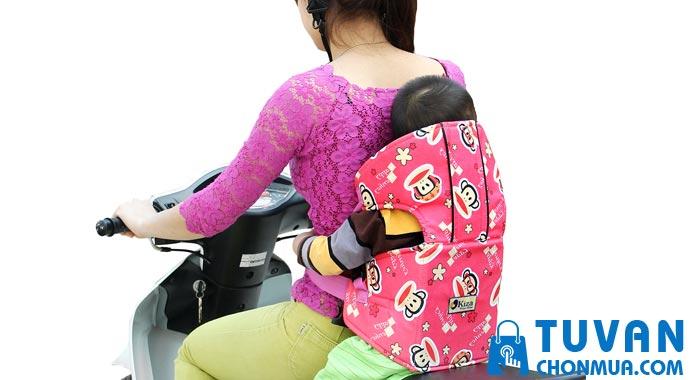 Đai xe máy an toàn cho bé là gì?
