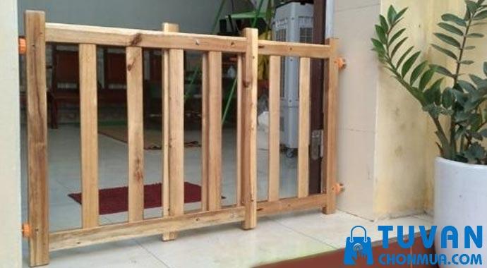 Thanh chắn cầu thang bằng gỗ