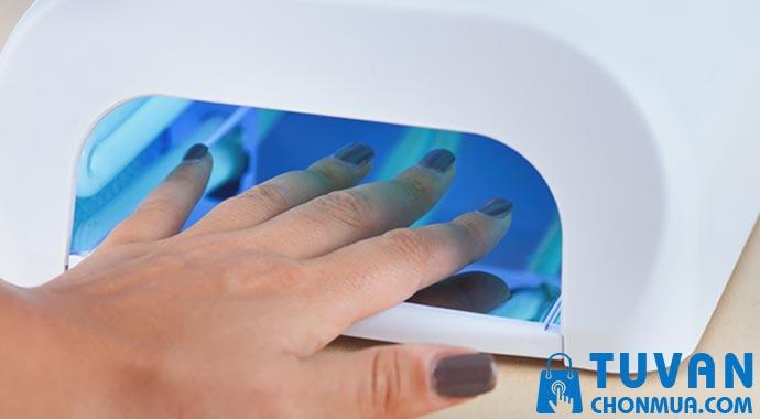 Các lưu ý khi sử dụng máy sấy gel nail